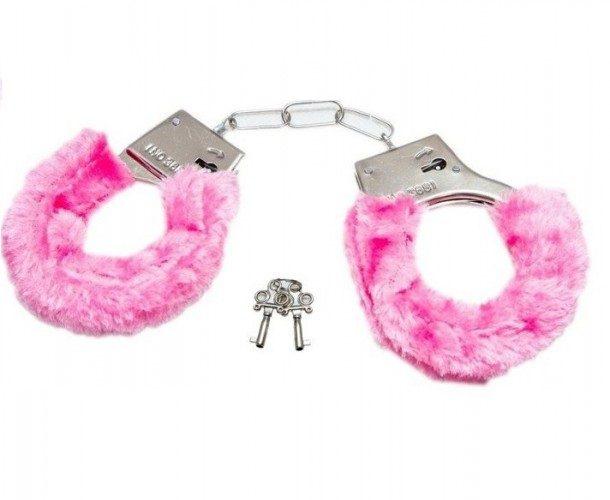 Esposas con peluche rosado